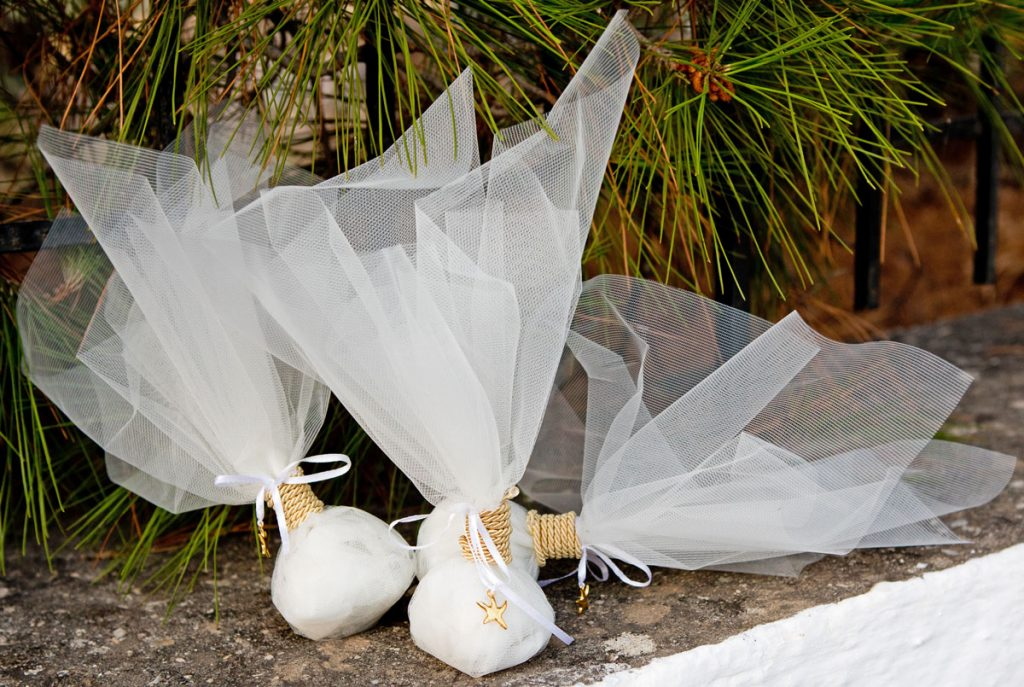 Bombonieres wrapped in white tulle